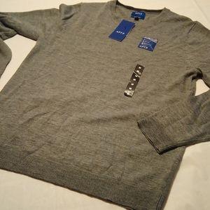 New with tags Apt 9 V-neck sweater men's Medium